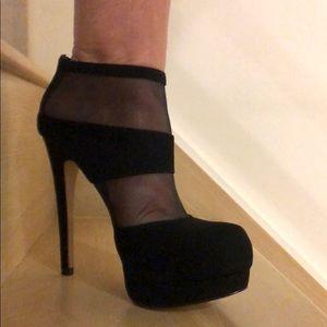 Black Suede ankle boots size 7.5 excellent